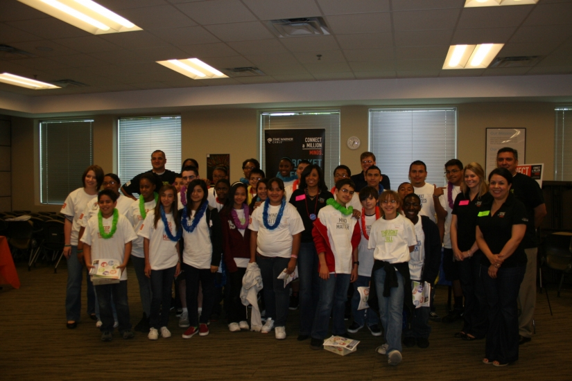Metzger Middle School students and Time Warner Cable volunteers